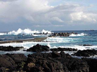 八丈島波浪1.jpg