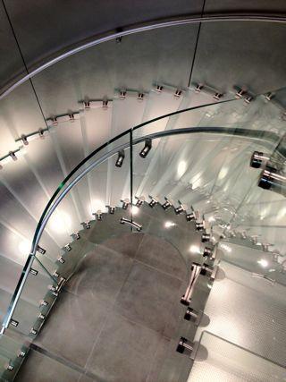 ガラス階段.jpg