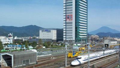 ガンダム富士山新幹線1.jpg