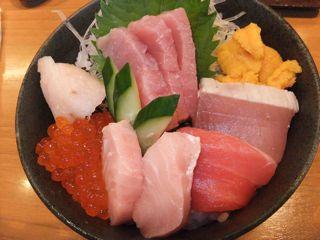 マグロ贅沢丼1.jpg