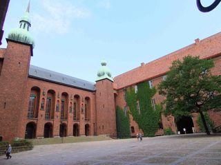 ストックホルム市庁舎中庭1.jpg