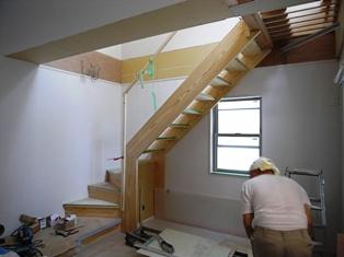20100713加藤邸階段2.jpg