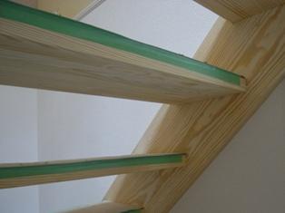 20100713加藤邸階段3.jpg