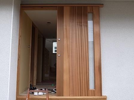 20111129玄関ドア.jpg