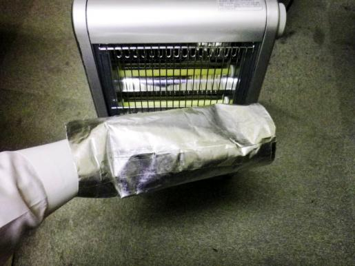 遮熱材に手を入れていれば1時間経っても熱くならない.JPG